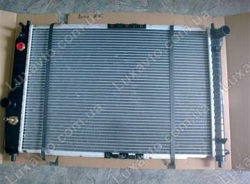 Радиатор охлаждения Шевроле Авео 1.5-1.6 (Chevrolet Aveo) с кондиционером АКПП Anam 600 мм