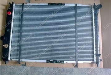 Радиатор охлаждения Шевроле Авео 1.5-1.6 (Chevrolet Aveo) с кондиционером АКПП DM 600 мм
