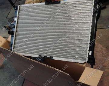 Радиатор охлаждения Дэу Ланос (Daewoo Lanos) Luzar с кондиционером алюминиевый паяный