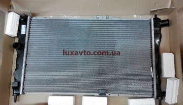 Радиатор охлаждения Дэу Нексия (Daewoo Nexia) Luzar МКПП
