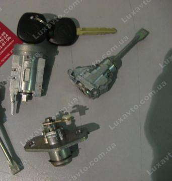 Замок зажигания с ключами и личинками (комплект) Geely MK