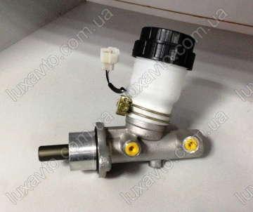 Цилиндр тормозной главный Джили СК (Geely CK) без АБС с вакуумом 1.5L