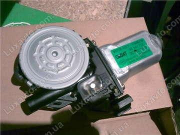 Мотор стеклоподьемника Шевроле Авео (Chevrolet Aveo) T200 передний левый Dongyang