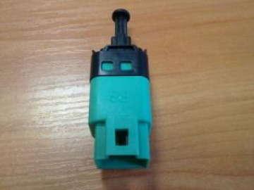 Датчик стоп-сигнала Шевроле Авео (Aveo), Шевроле Лачетти (Lacetti) 4-х контактный АКПП OE