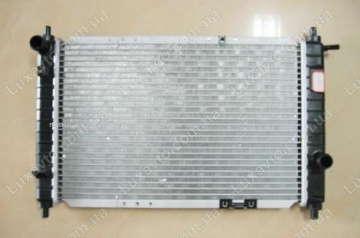 Радиатор охлаждения Дэу Нубира 2.0 (Daewoo Nubira) 99-02, Leganza с кондиционером МКПП Samsung
