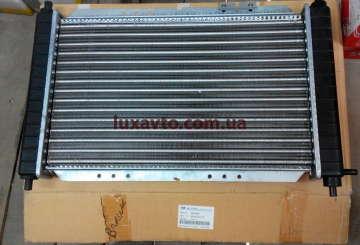Радиатор охлаждения Дэу Матиз (Daewoo Matiz) M150 0.8L-1.0l MКПП KMC