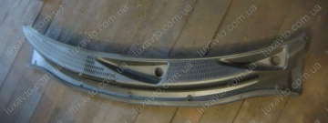 Панель рамки лобового стекла Чери Бит S18 (Chery Beat) (жабо) (решетка вентиляционная наружная под стекло)